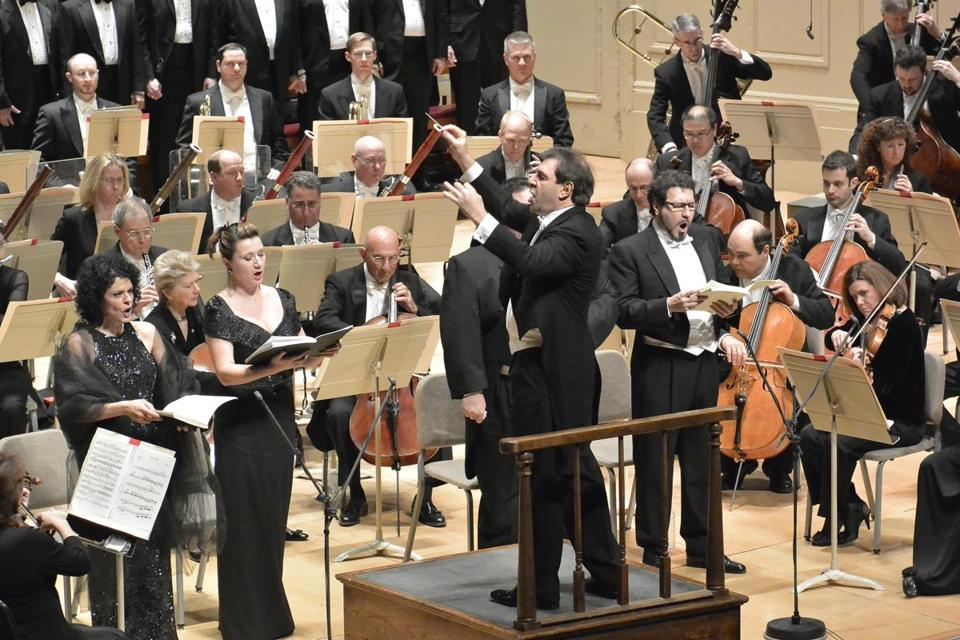 Daniele Gatti brought forth the awesome drama and power of Verdi's Requiem without blurring its musical details.