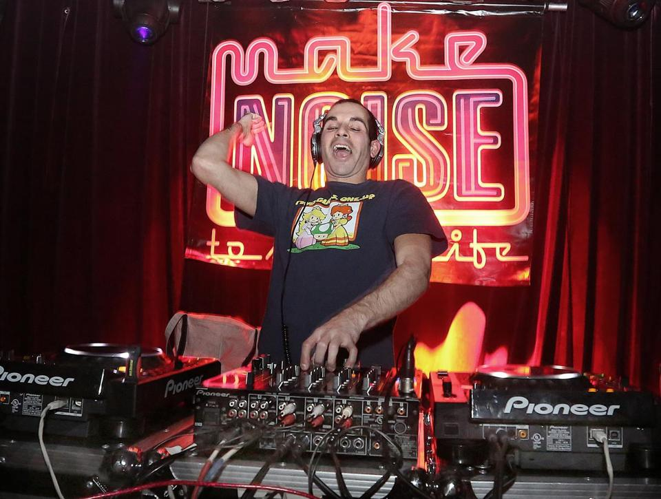 1-20-2013 Boston, Mass. Over 600 guests attended the Make Noise to save a lifeto benefit the Samaritans, the event was held at the House of Blues, DJ Joe Bermudez playing the music. Globe photo by Bill Brett