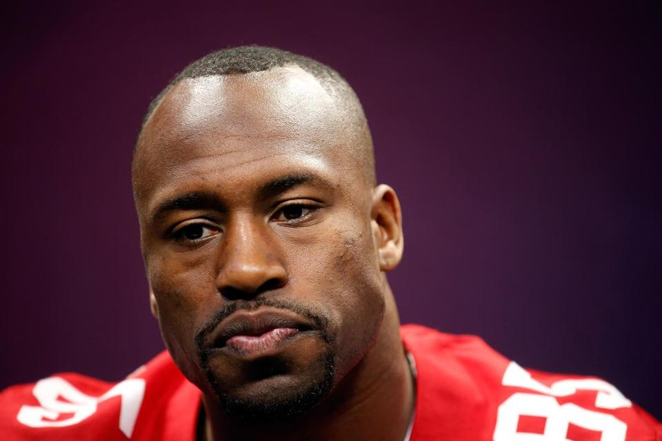 Now in his seventh season, tight end Vernon Davis has grown as a player, has grown as a leader, and has grown as a man.