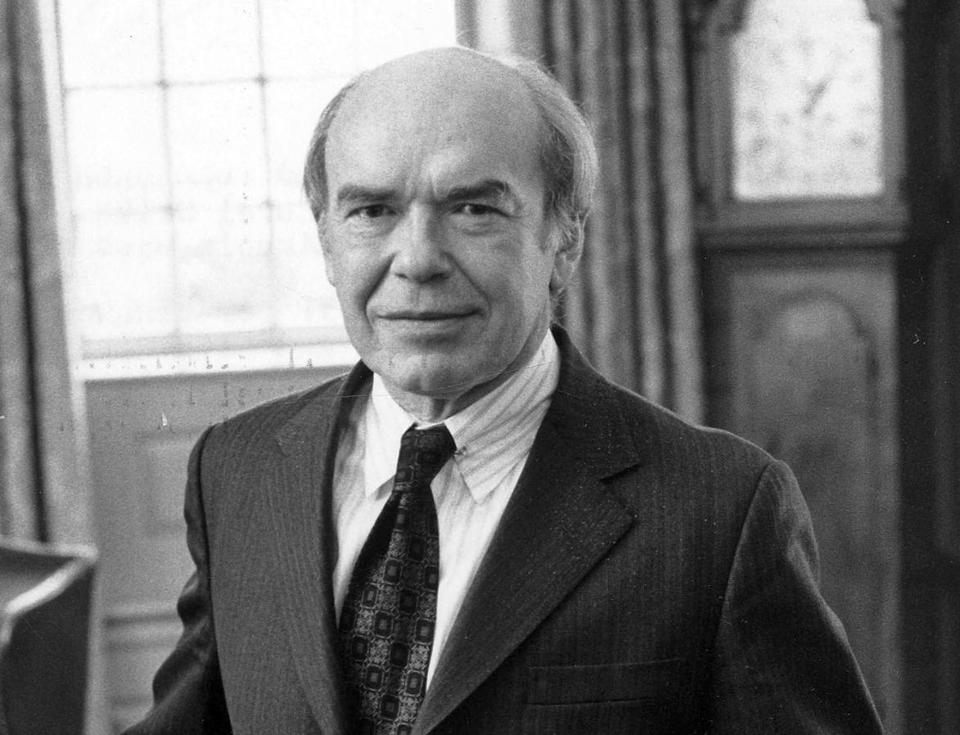 As Brown University president from 1970 to 1976, Dr. Hornig cut spending and greatly reduced the school's debt.