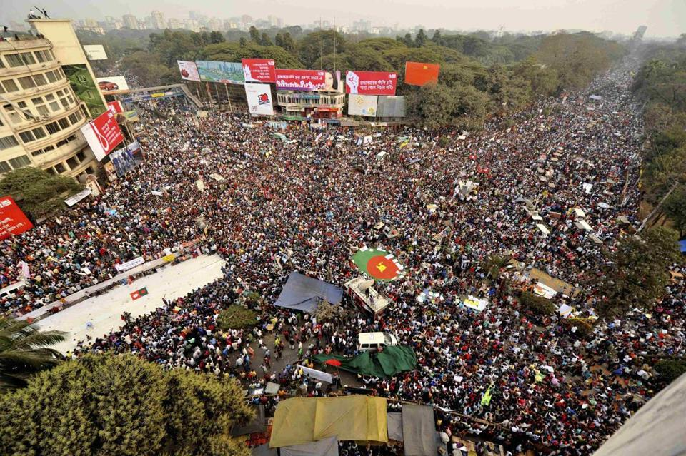 Protesters filled an intersection in Dhaka, Bangladesh, Friday, demanding death for war criminals.