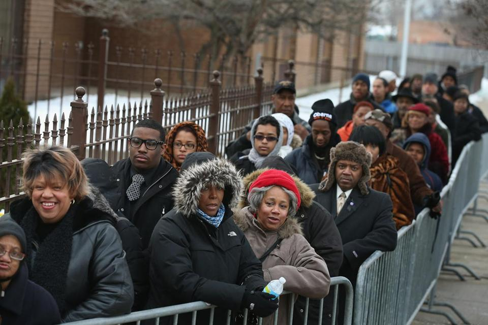 Mourners waited in line for the funeral service of Chicago's 15-year-old Hadiya Pendleton.