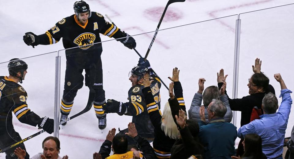 With 43 seconds to go in the third period, Brad Marchand scored the game-tying goal.