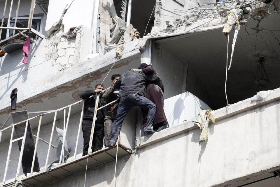 Missiles shot from Syrian jets caused damage and injuries in Aleppo on Wednesday.