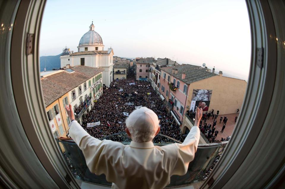 Pope Benedict XVI delivered his last blessing from the window of the pontiff's summer residence Thursday.