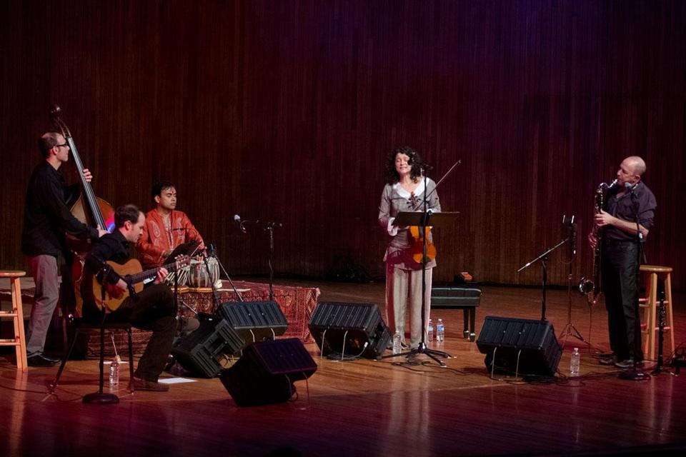 Exploratory musicians turn inward - Music - The Boston Globe