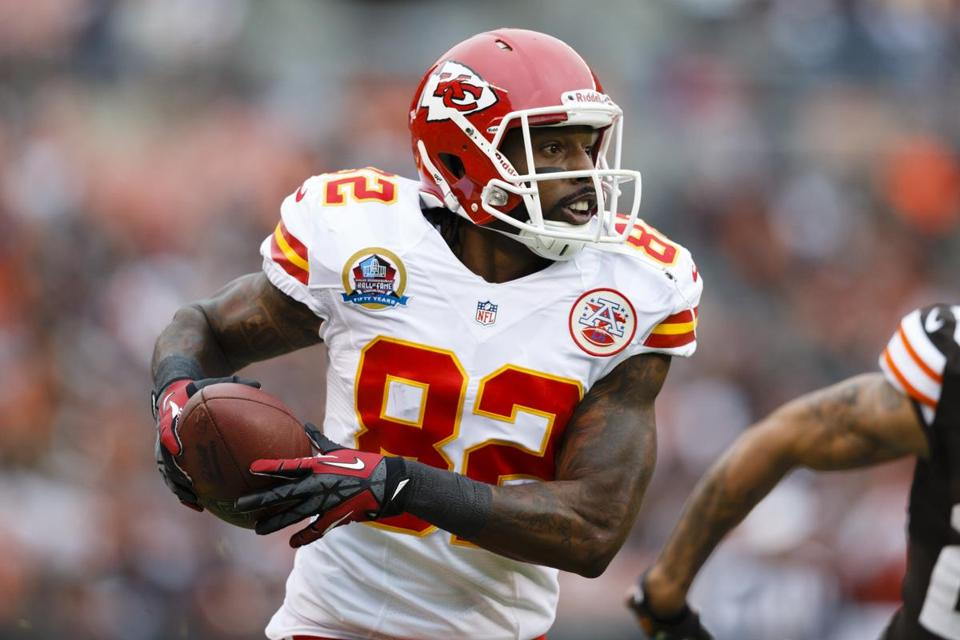 Financial terms of Dwayne Bowe's agreement were not immediately available.