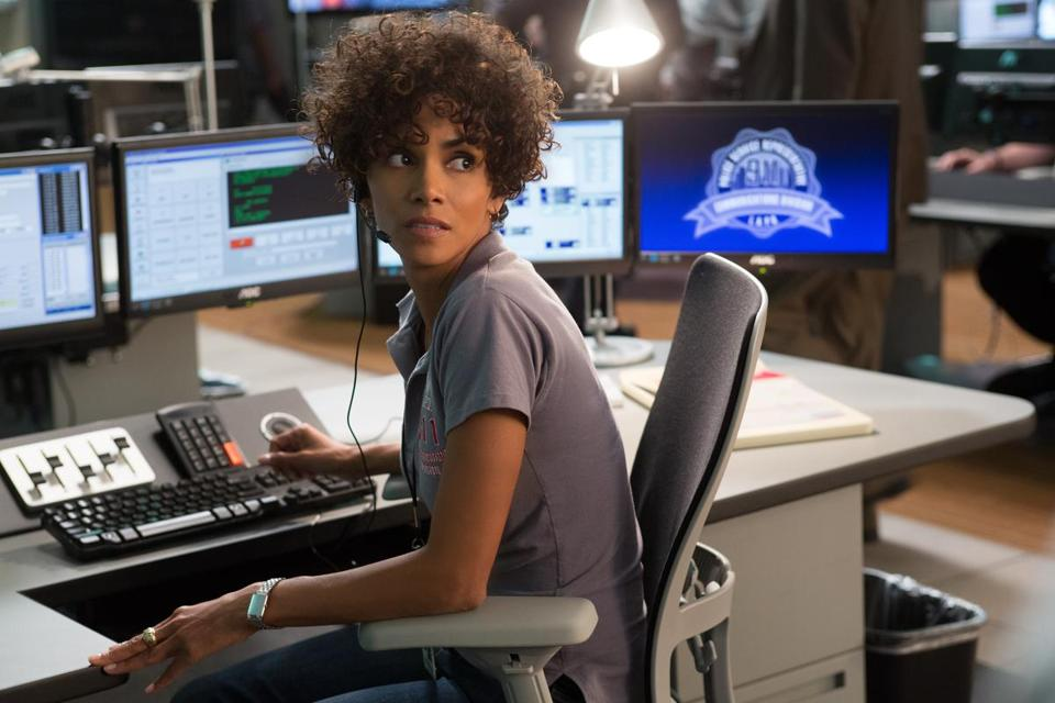 "Halle Berry plays a Los Angeles police operator in ""The Call.''"