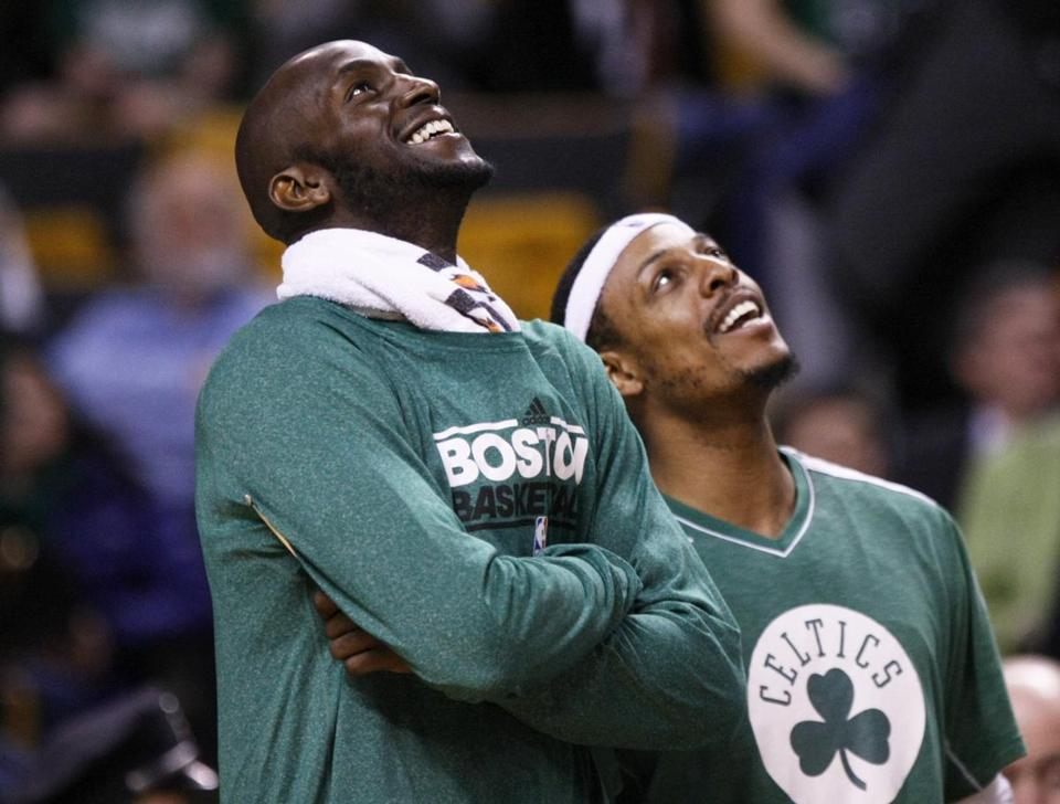Kevin Garnett, left, and Paul Pierce shared a laugh late in Wednesday's win.