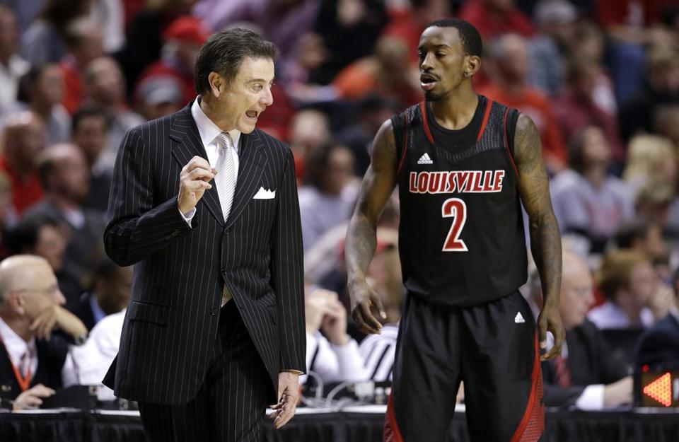 Russ Smith leads the Cardinals in scoring (18.1).