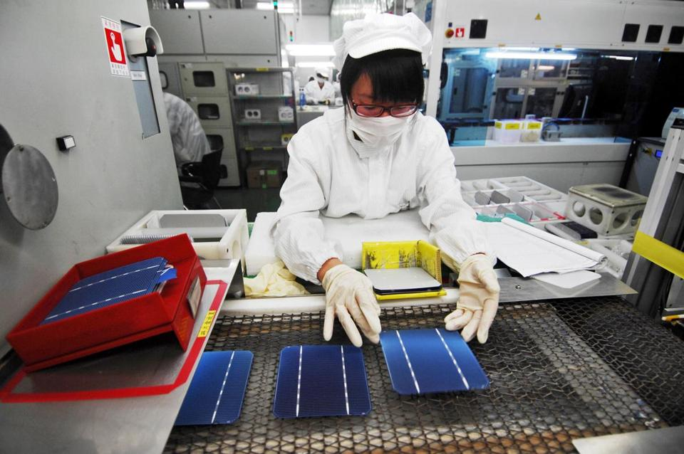 Eight banks have asked a court to declare Suntech Power's subsidiary in Wuxi insolvent.