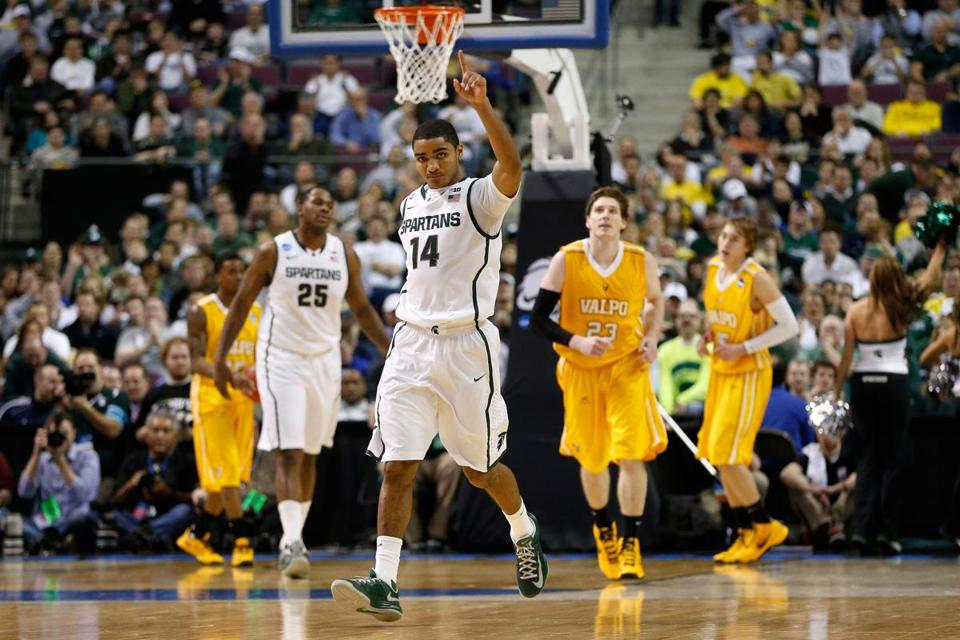 Gary Harris and Michigan State cruised past Valparaiso before a home-state crowd.