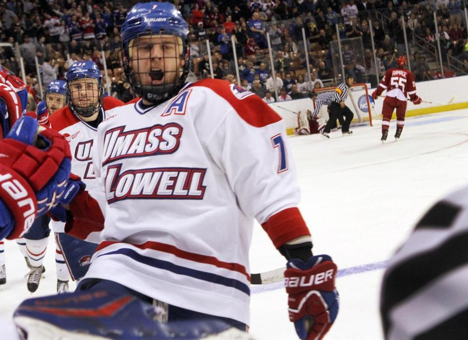 Shayne Thompson's goal in the second period gave UMass-Lowell something to shout about en route to a 6-1 victory over Wisconsin.