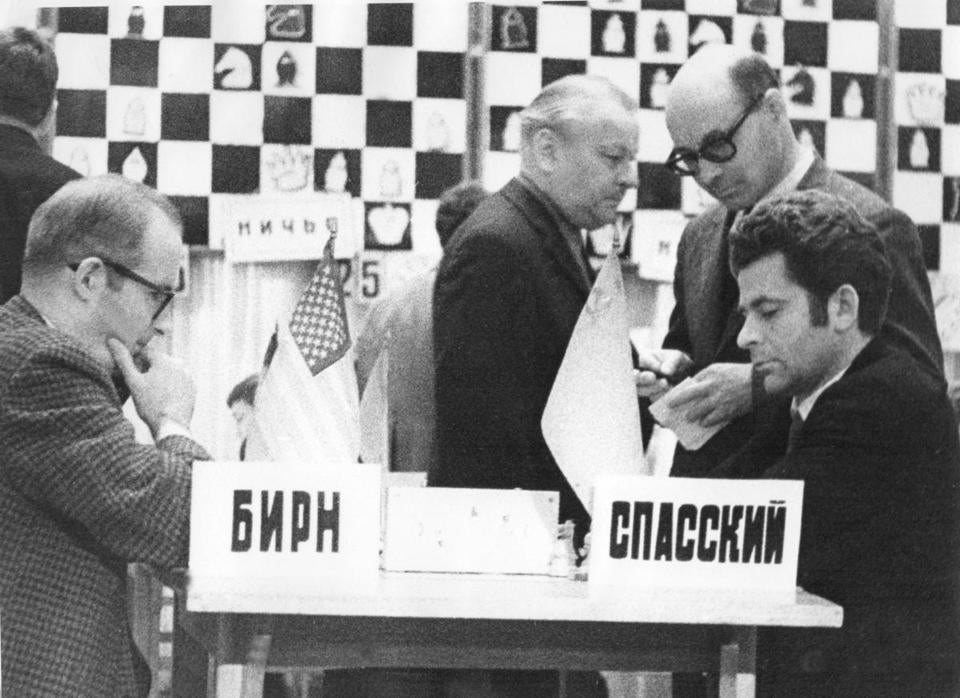 Mr. Byrne (left, playing Boris Spassky in Moscow in1971), was cagey andpatient at the table.
