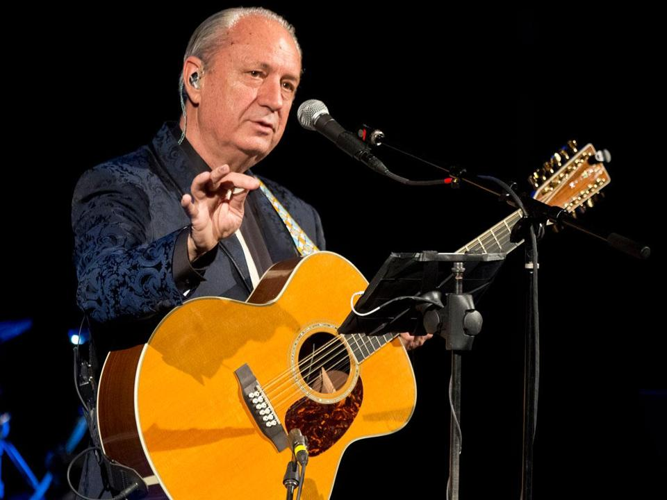 Michael Nesmith is touring on his own for the first time in two decades.