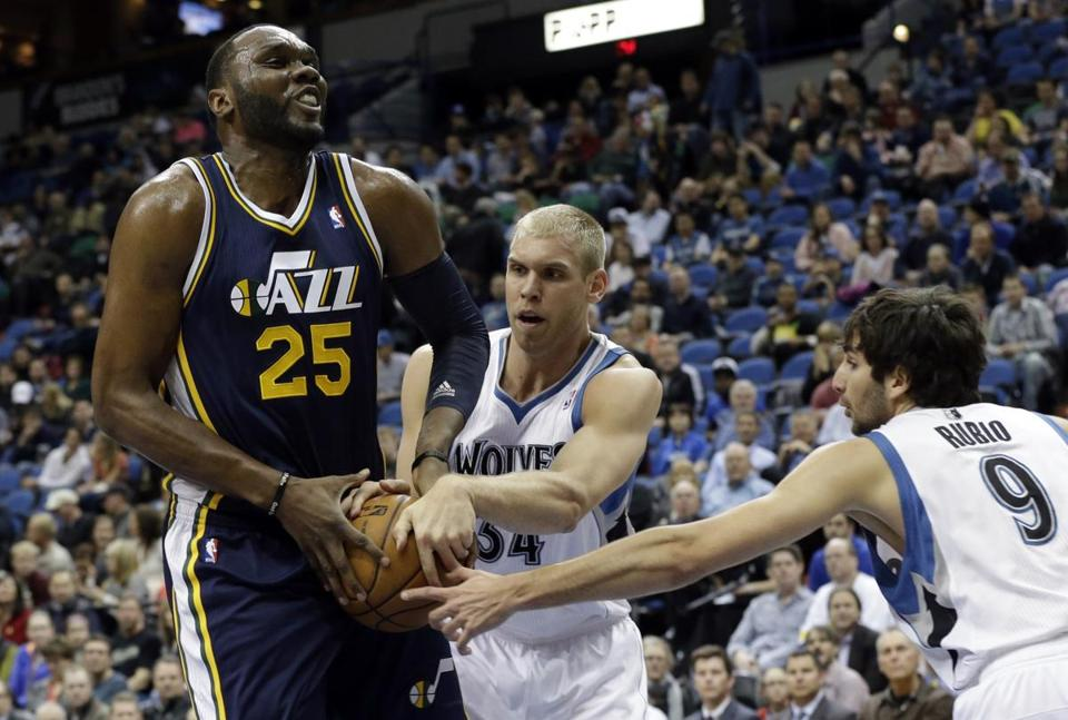 Al Jefferson had 22 points and eight rebounds to help Utah keep its playoff hopes alive.