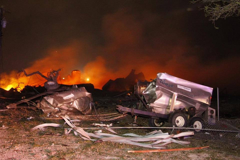 A fire preceded the explosion at the fertilizer factory.