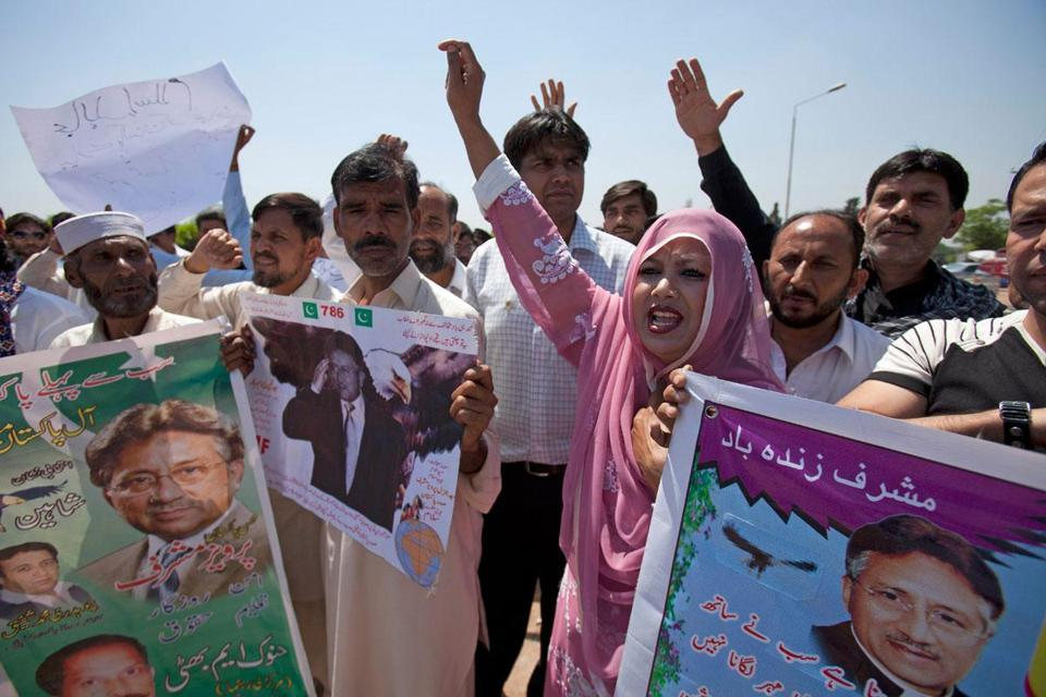 Supporters of Pervez Musharraf, former president of Pakistan, protested the court decision's to arrest him.