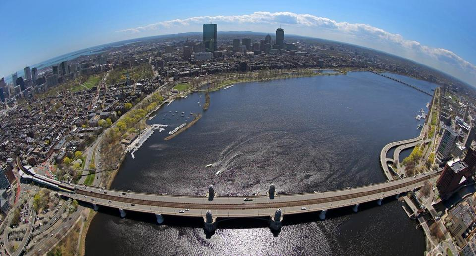 The Longfellow Bridge connects Boston and Cambridge.