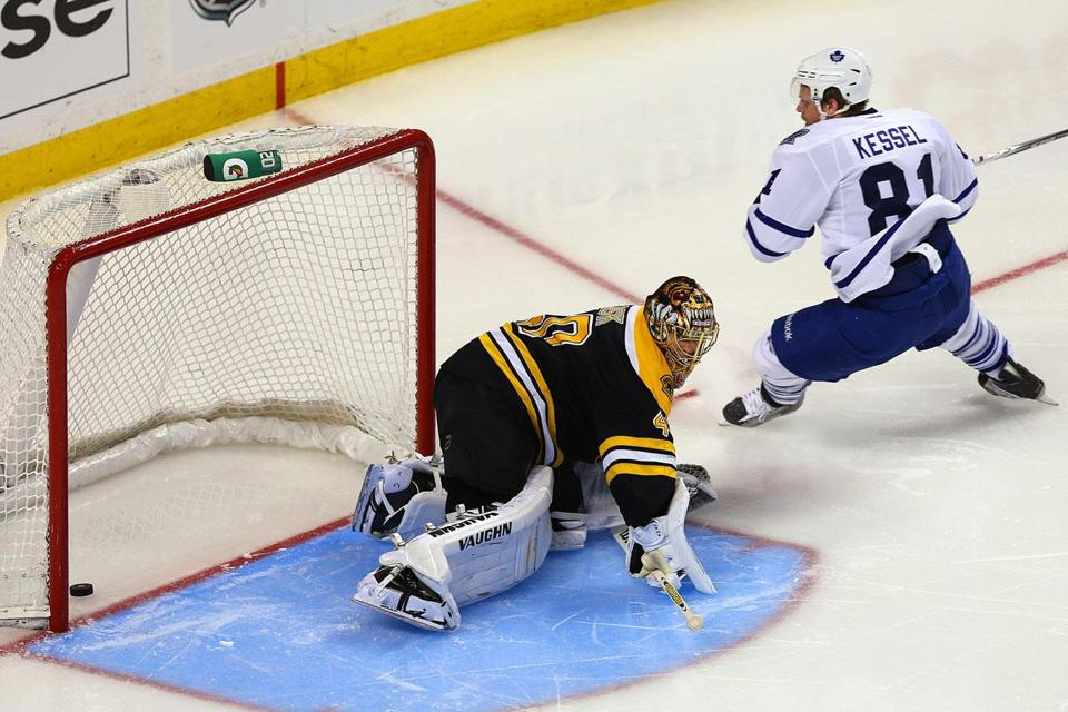 Phil Kessel breaks through against his former teammates, beating Bruins goaltender Tuukka Rask to give the Leafs a 3-1 lead early in the third period.