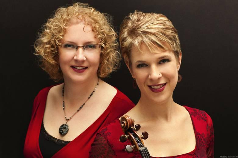 Rachel (left) and Sara Caswell will perform a free jazz concert in Portsmouth, N.H., next Sunday.