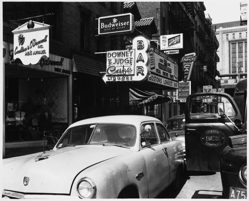 Photos on Dirty Old Boston capture the faces, fashions, cars, and establishments of the city from the 1930s through the mid-'80s. Creators of the page are planning to publish a book using old photos of the city.