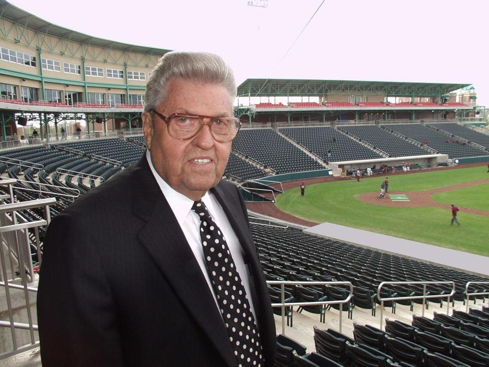 John Q. Hammons was photographed in 2004 after his 8,000-seat baseball stadium opened in Springfield, Mo.