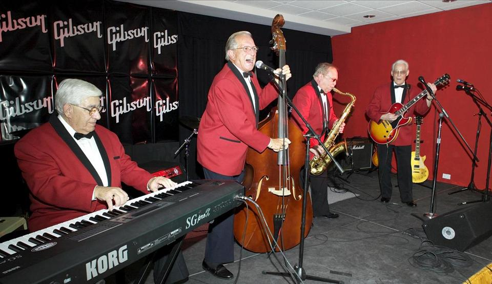 Marshall Lytle led other original members of the Comets during a rock 'n' roll party at the Gibson Guitar Studio.