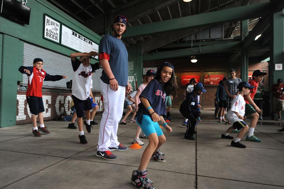 Jarrod Saltalamacchia and some kids from Joslin Diabetes Center at Fenway.