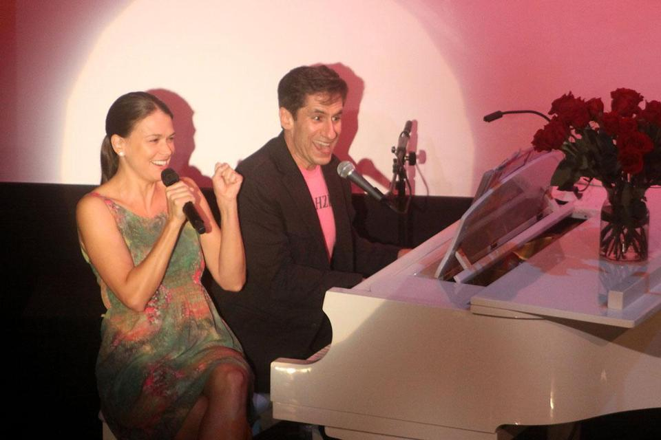 Sutton Foster and Seth Rudetsky performing  at the Art House in Provincetown.