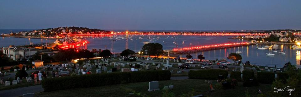 Volunteers will light flares along the bay shoreline in Hull Saturday as part of the fifth annual Harbor Illumination.
