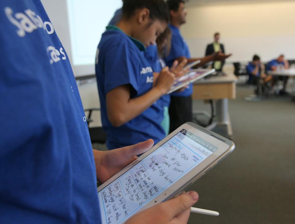 High school students attended the Samsung Mobile App Academy — a two-day crash course in app-making — this week at MIT.