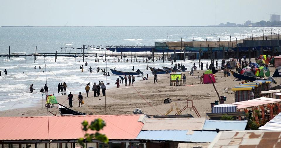Anzali, on the Caspian Sea, is an Iranian tourist spot.