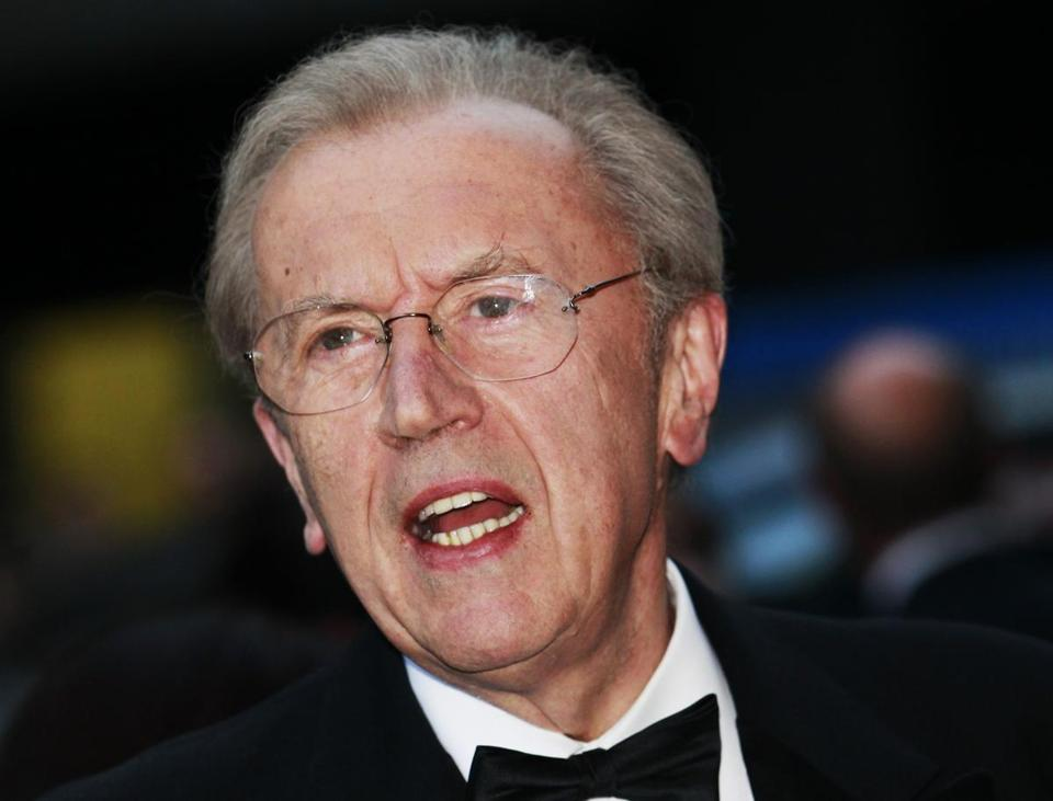 David Frost died Saturday night from an apparent heart attack, according to the BBC.