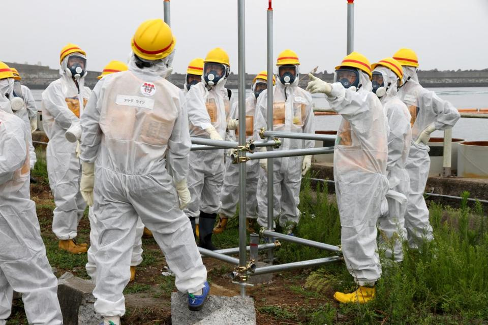 Government inspectors looked for solutions nearly 2½ years after an earthquake and tsunami triggered a major nuclear accident at the Fukushima Daiichi plant.