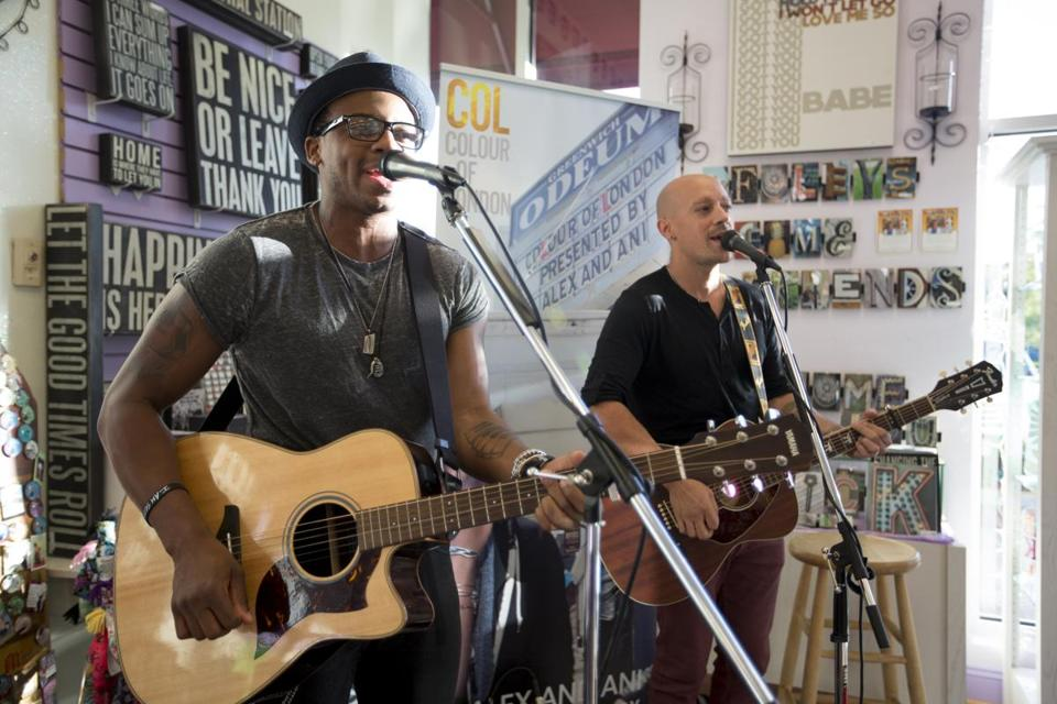 Jimmie Allen (left) and Nate Woodall performed Thursday in Mansfield.