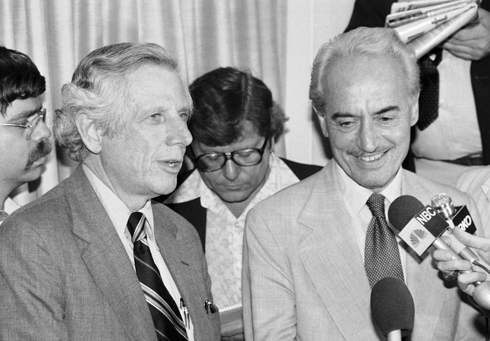 Ray Grebey (left) with Marvin Miller in New York in 1980.