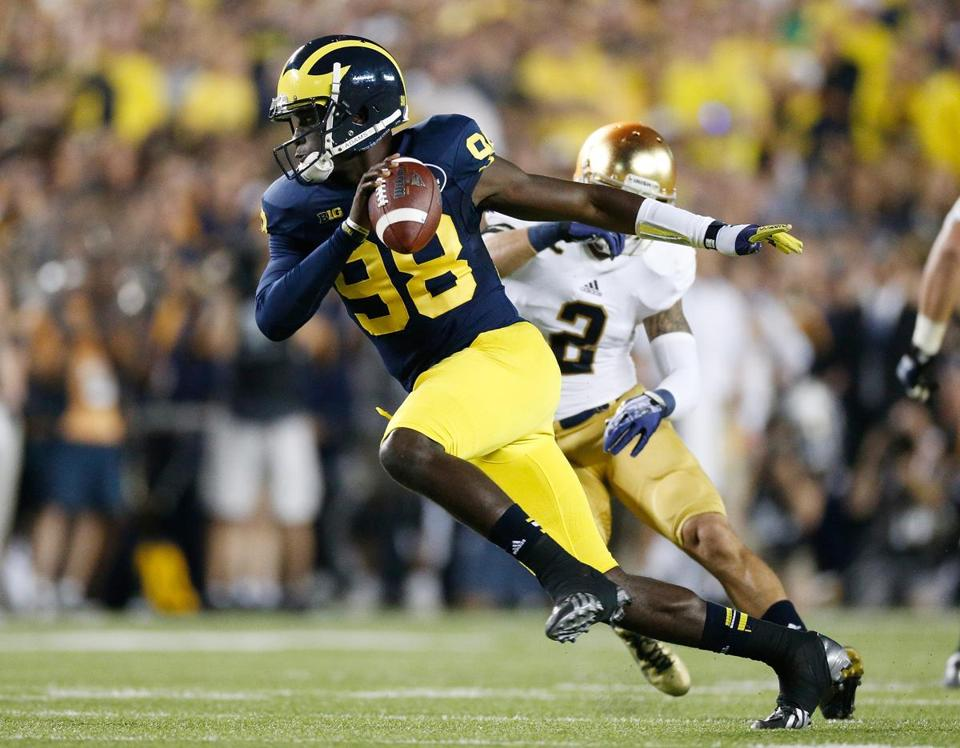 Notre Dame's defense had no answer for Wolverines quarterback Devin Gardner, who wore No. 98 to honor former Michigan great Tom Harmon.