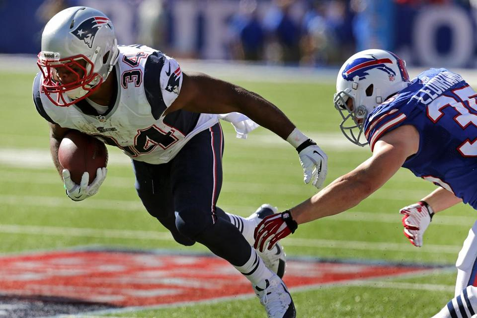 Shane Vereen broke his wrist on his first snap Sunday, but he stepped up with a career-high 101 yards rushing on 14 carries.