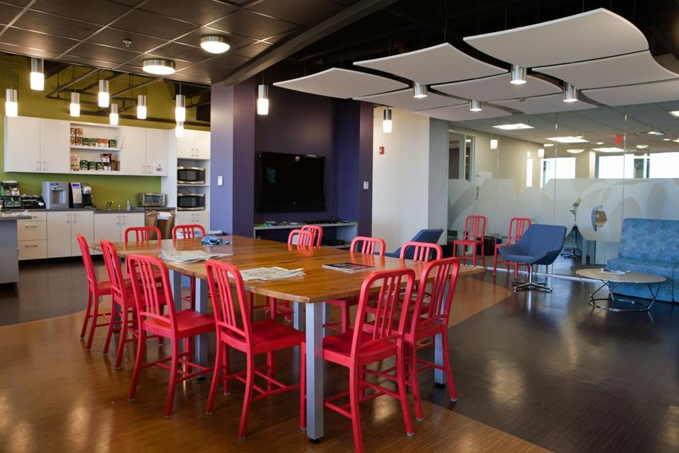 Verivo software leased space at the Bay Colony Corporate Center in Waltham last year, and incorporated some of the work efficient designs implemented in common areas.
