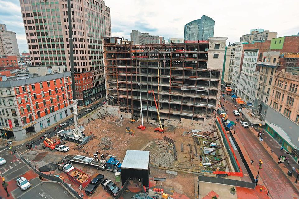 Current construction at the Filene's Downtown Crossing site is focused on the rehabilitation of the original 1912 Beaux Arts-style building.
