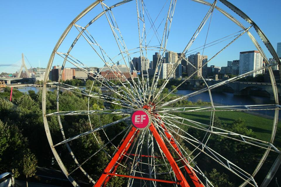 The Ferris wheel will operate free for the public on Wednesday and Thursday before being dismantled.