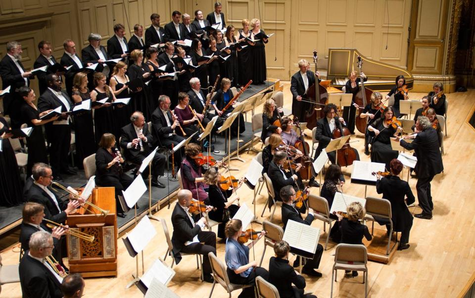 The Handel and Haydn Society performed Bach's Mass in B Minor on Friday.