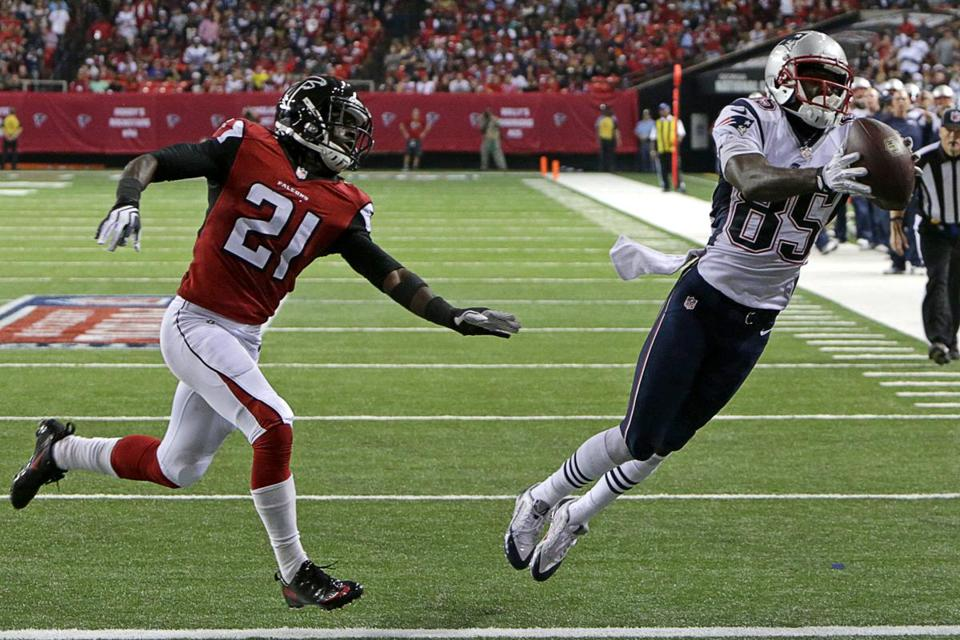 The Patriots aired it out in second half and Kenbrell Thompkins made Desmond Trufant (21) pay with a fourth-quarter TD catch.