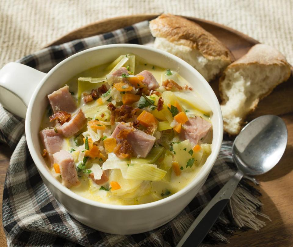 Ham chowder with leeks and cabbage.