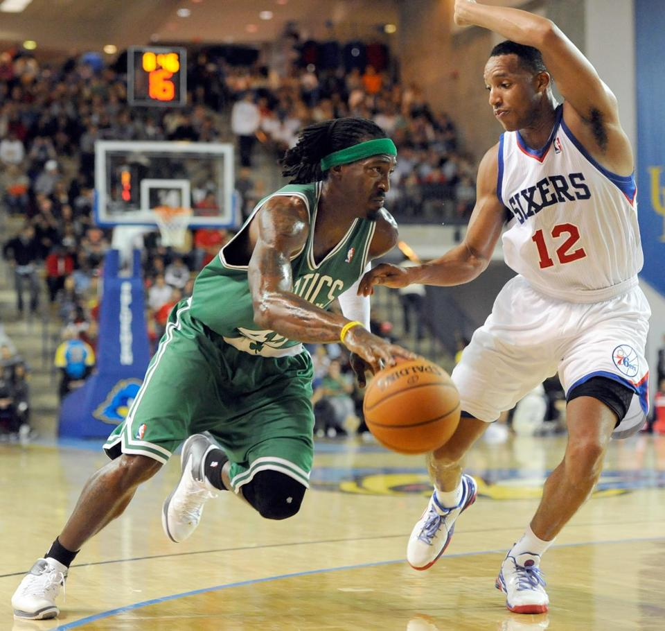 Gerald Wallace (9 points, four rebounds) takes it to the 76ers, but his teammates didn't follow suit in an ugly loss.
