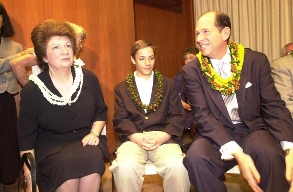 Evan Dobelle was welcomed to the University of Hawaii in March 2001, along with his with his wife, Kit, and son, Harry. Three years later, he left under a cloud of controversy.