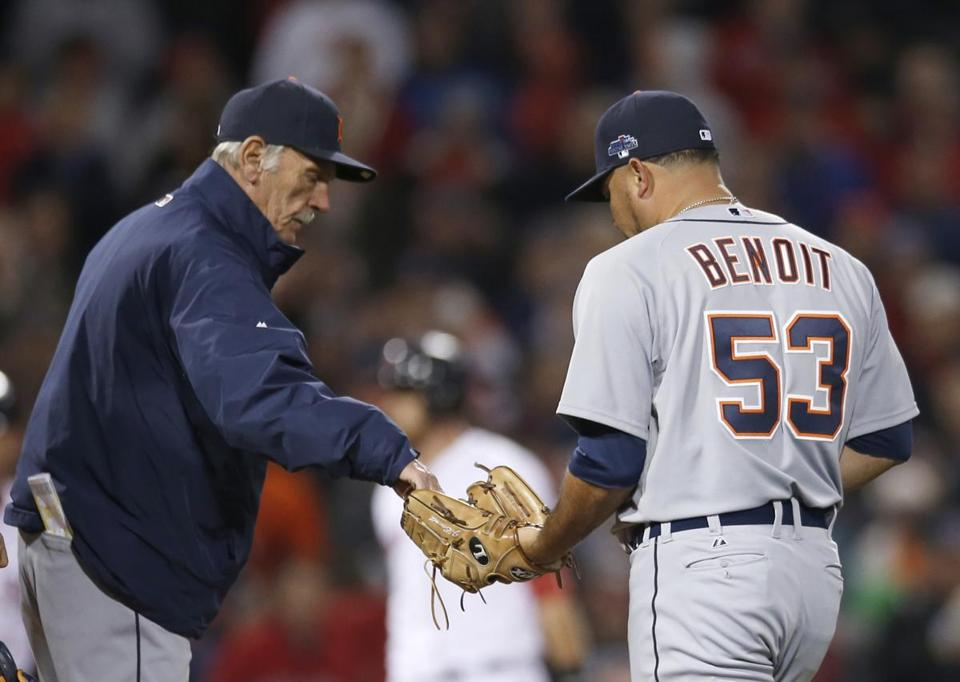 Jim Leyland handed the ball to Joaquin Benoit in the eight inning of Game 2.