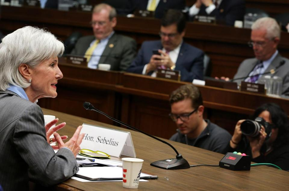 Lawmakers are expected to grill top health official Kathleen Sebelius over problems with the rollout of the government's health care website.