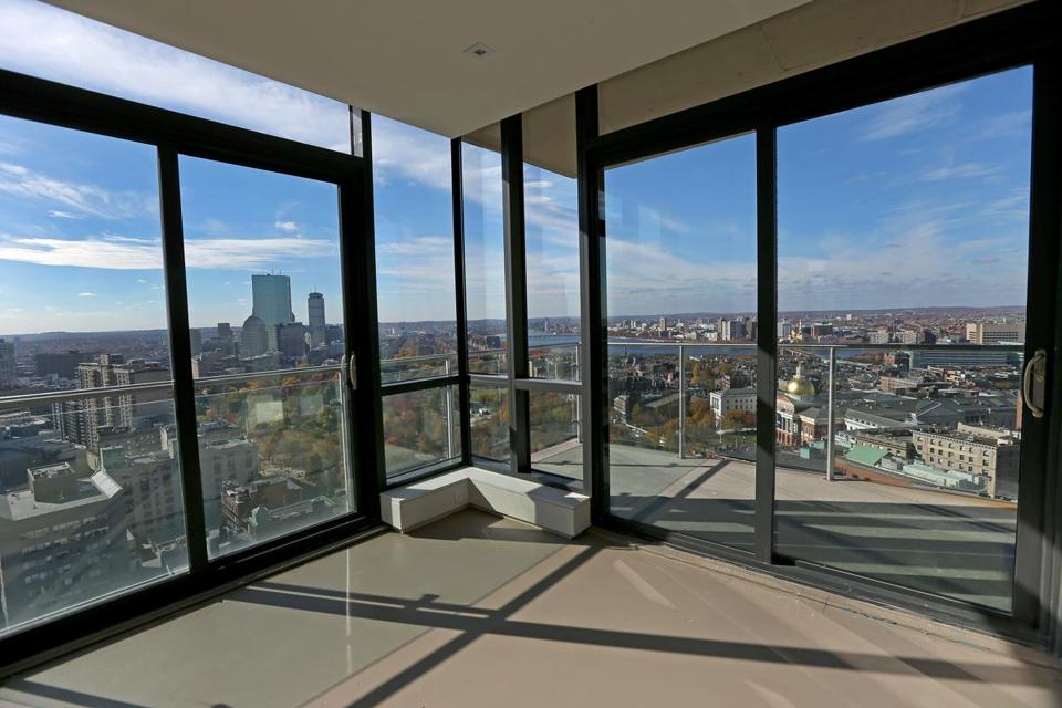 Stunning views are attracting well-heeled buyers, including from abroad, to Downtown Crossing.